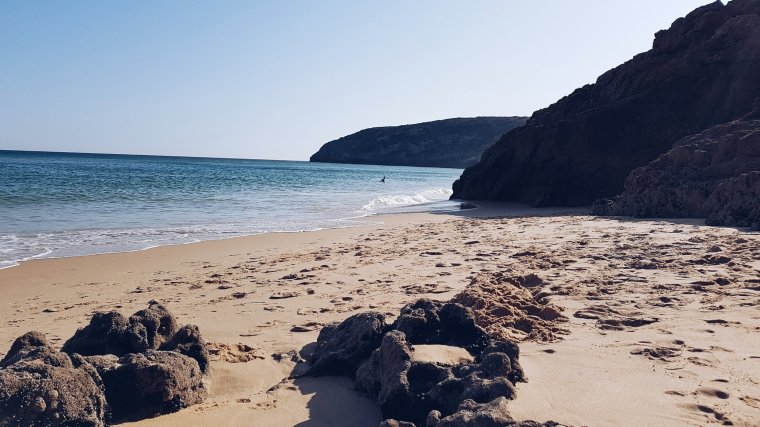 praia-das-furnas-sagres-algarve-portugal-road-trip-hippie-vacances